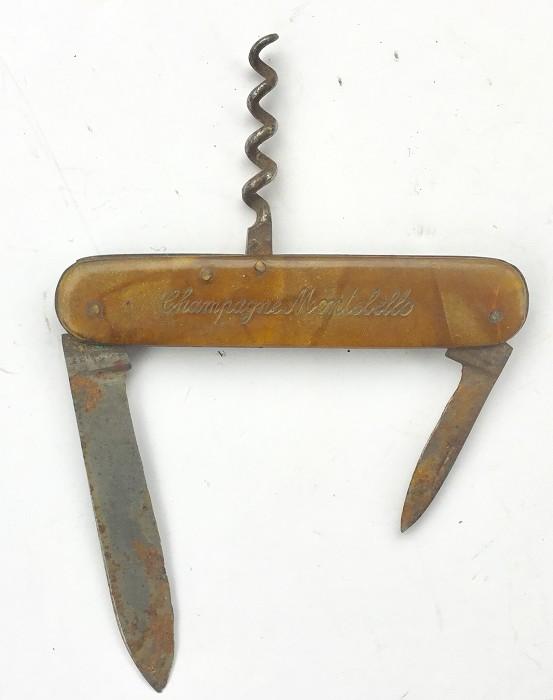 CORKSCREW CHAMPAGNE MONTEBELLO KNIFE