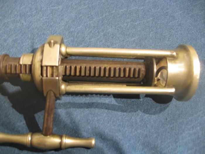 4 Pillar King screw corkscrew.