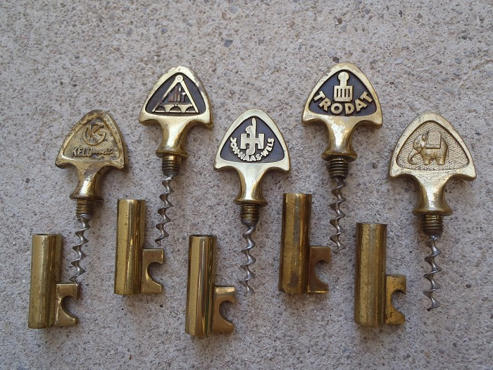 Unique collection of 5 auböck advert key corkscrews !