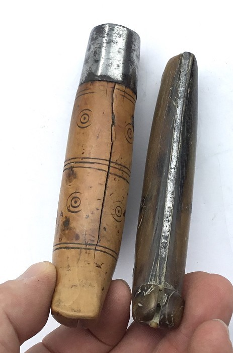 2 FRENCH WINE GROWER'S MOP HORN & BOXWOOD SERPETTES