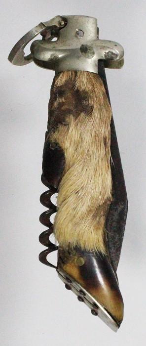 Well made leg-shaped lock back knife