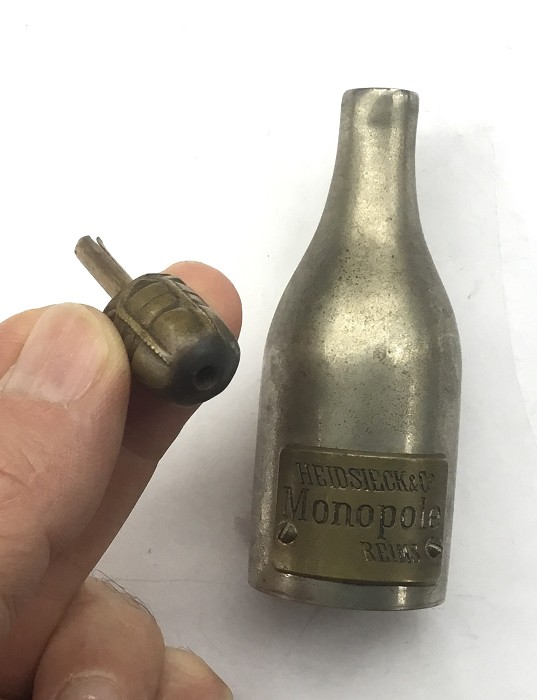 FRENCH CHAMPAGNE SNUFF BOTTLE HEIDSIECK & CO MONOPOL REIMS P