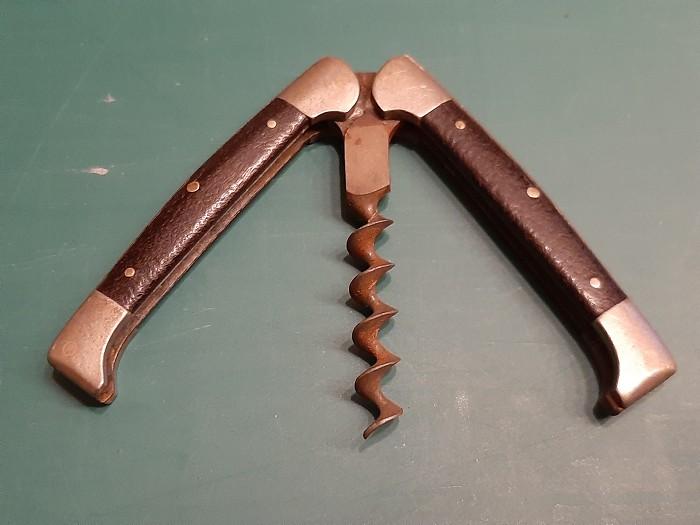 German folding pocket corkscrew with Rosewood scales