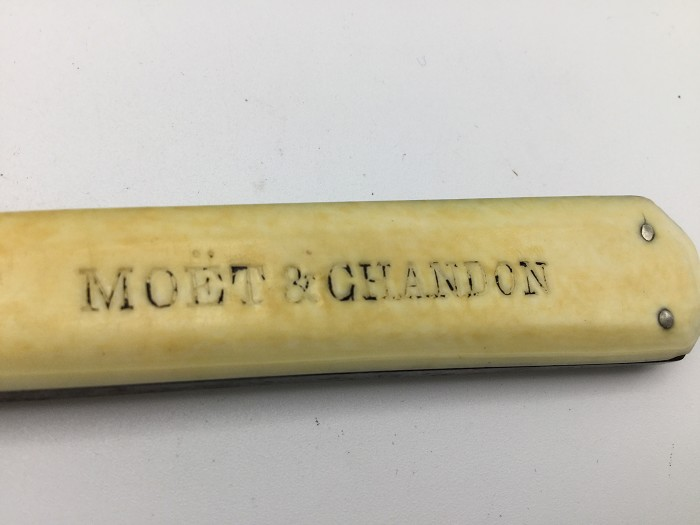 MOET & CHANDON Champagne knife