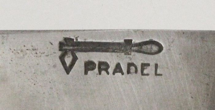 Nice French knife with cow scales and advertising PRADEL