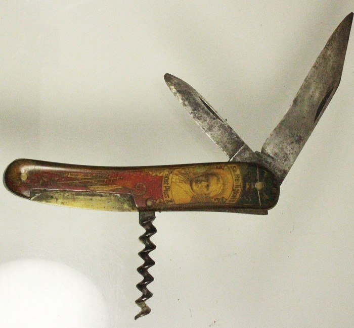 German knife showing PANST PIUS X and AD KÖPLING