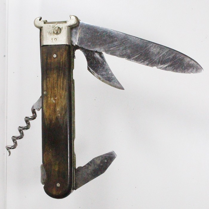 French hunting knife with two shell extractors 12 and 16,