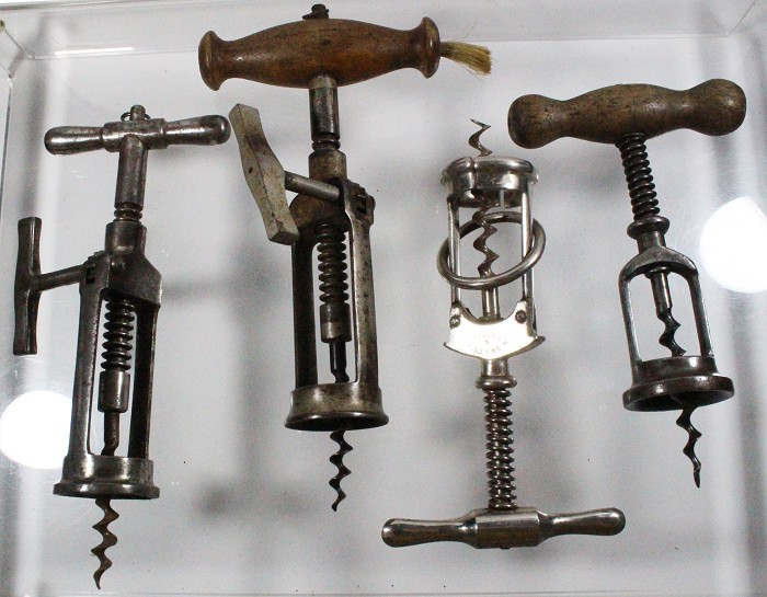 4 German corkscrews, 2 German racks, Columbus, Hercules type
