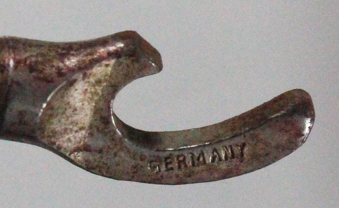 German peg and worm with cap lifter in etui marked GERMANY