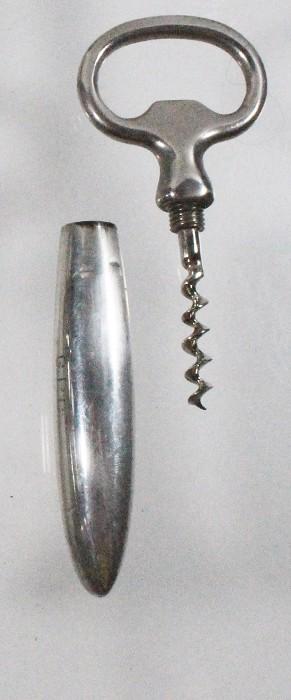 US, silver cap lifter combination
