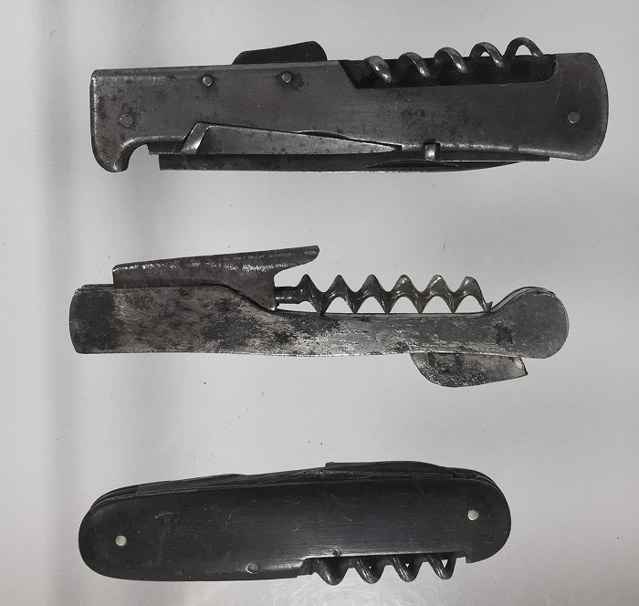 2 German pocketknives and a marked Wienke patent