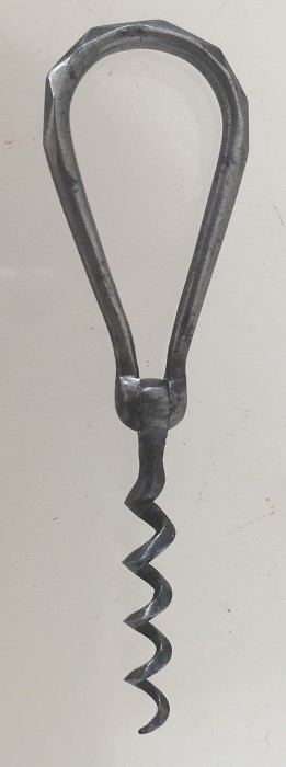 miniature corkscrew , faceted and typical spherical hinge